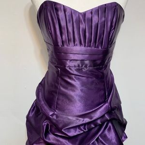 Jessica McClintock formal purple satin dress. Nice